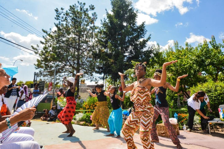 Dancers from Powerful Pioneers at Newport Garden (photo credit Quardean Lewis-Allen)